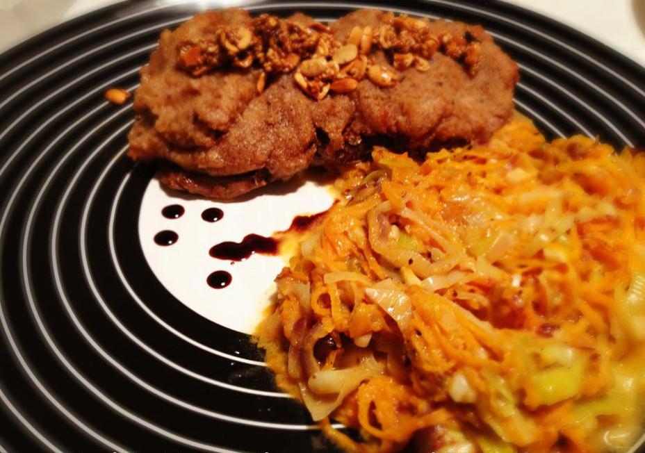Rumpsteak auf Karotten-Lauch-Gemüse