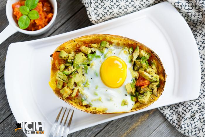 Spaghettikurbis Mit Avocado Und Uberbackenen Ei