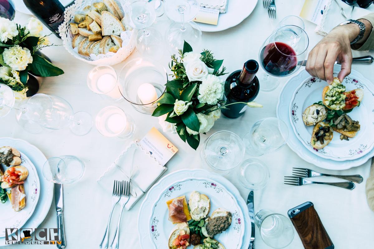 Food Table - www.kochhelden.tv