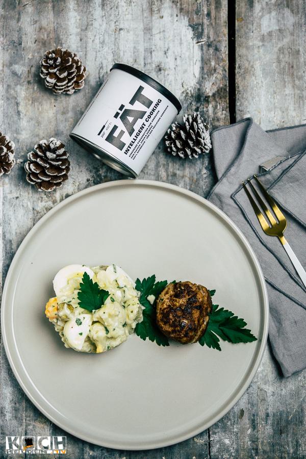 LowCarb Weihnachten: Falscher Kartoffelsalat mit Frikadellen - www.kochhelden.tv